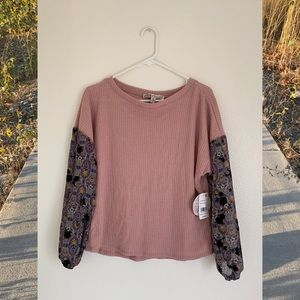 (NWT) Flowy Spring/Fall Top